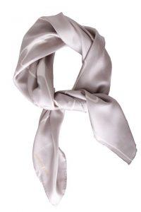 Billede af lille silketørklæde i stone med grafisk print