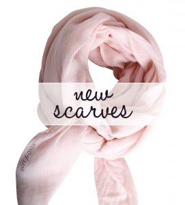 Uldtørklæde i sart rosa fra Mind of Line