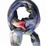 Blomsterprintet tørklæde fra Mind of Line