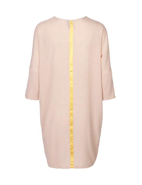 9737890bedcc Mind of Line silke kjole med 3 4 ærmer