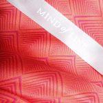 Geometric print på smukt silketørklæde fra Mind of Line