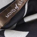 Mind of Line uldtørklæde med grafisk print