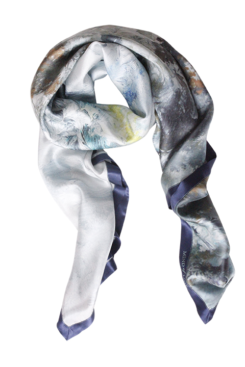 Silketørklæde med maleri fra Mind of Line