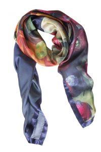Farverigt silketørklæde med ranunkler fra Mind of Line