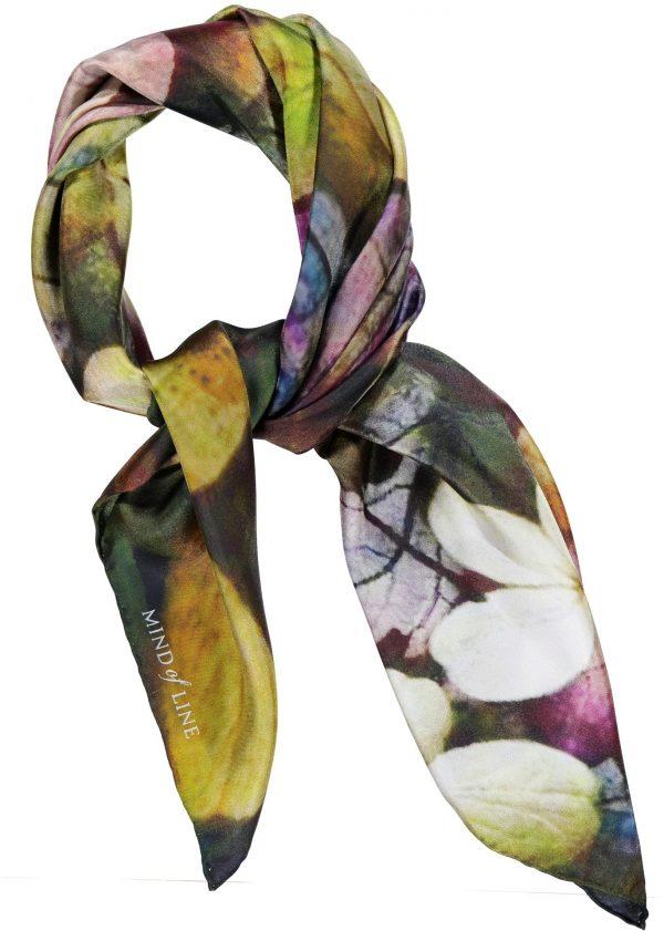Mind of Line silketørklæde med hortensiaprint